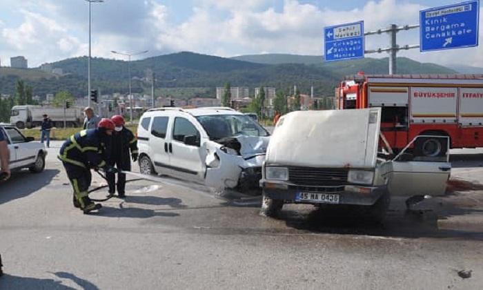 TRAFİK KAZASI, 3 YARALI
