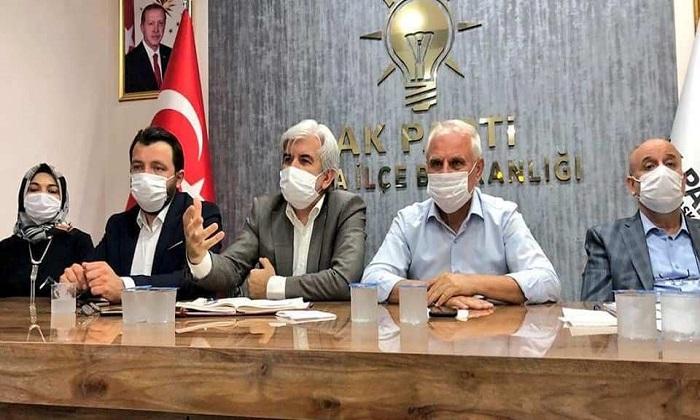 AK PARTİ'DE KAPSAMLI TOPLANTI